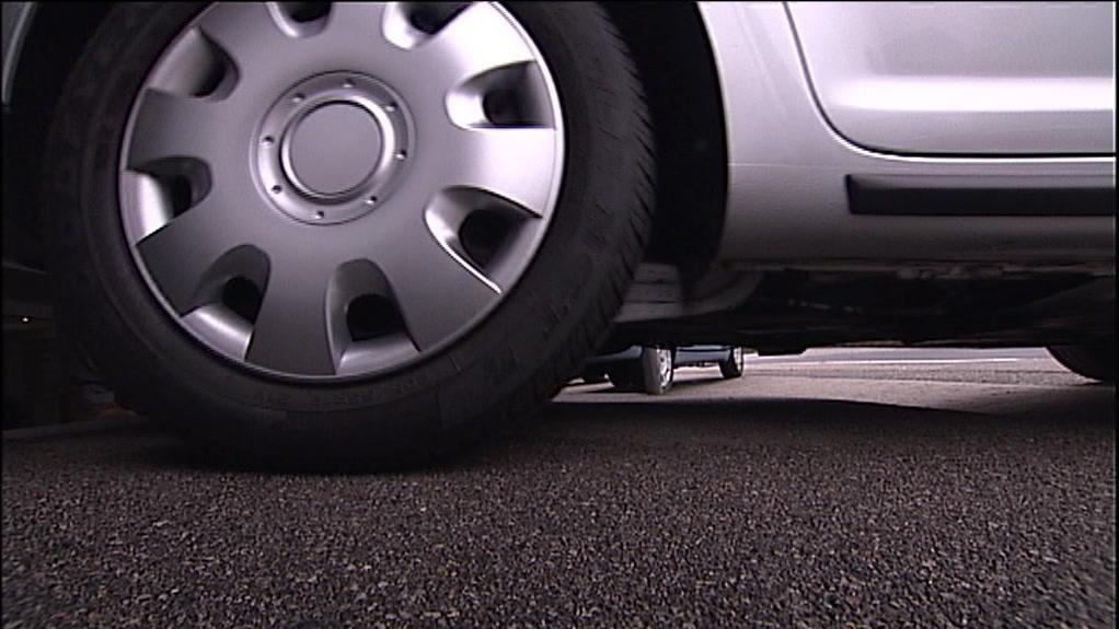 Så hurtigt falder din nye bil i værdi | Nyheder | DR
