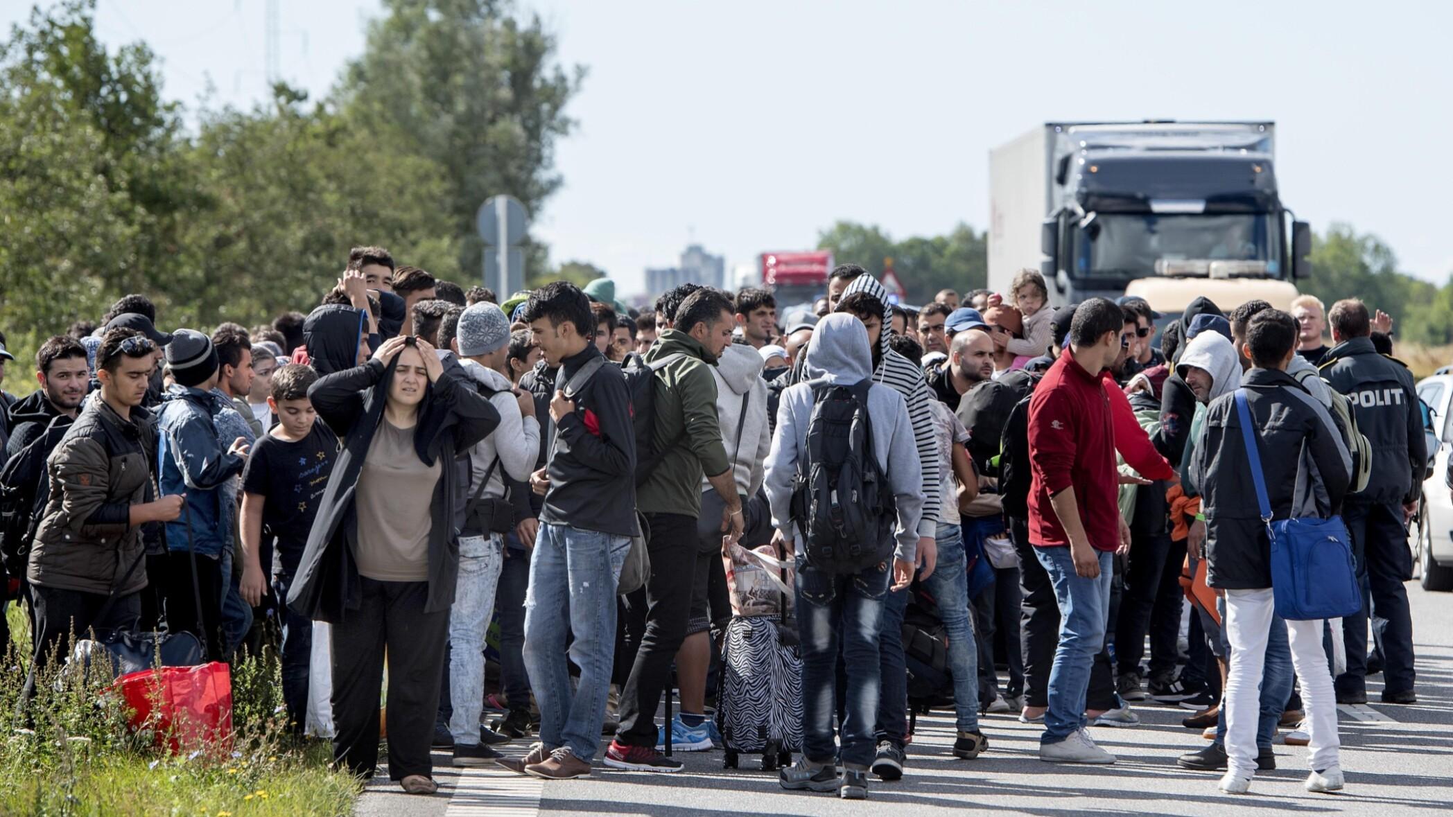 Rederi: Vi magter ikke at tjekke pas og visum | Sjælland | DR