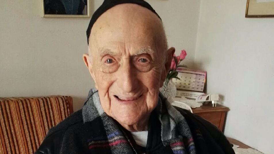 Overlevede Auschwitz: Nu er han verdens ældste mand | Udland | DR