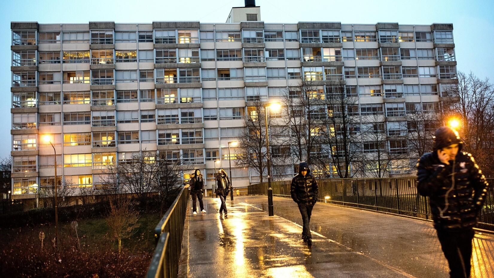 Malmøs borgmester svarer igen: Våben, narko og bander kommer via Danmark | Udland | DR