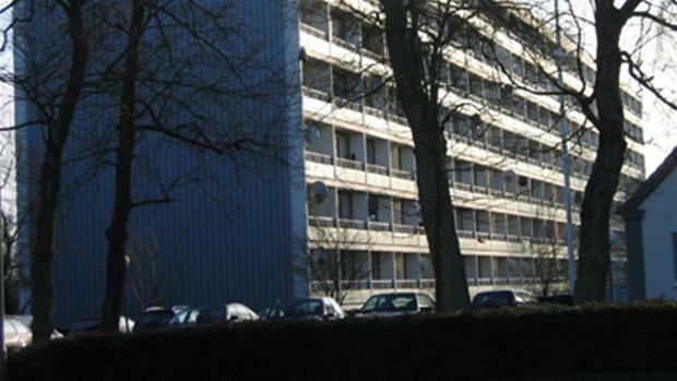 Boligforeninger om kontanthjælpsloft: Vi bliver nødt til at sætte folk på gaden | Østjylland | DR