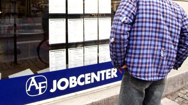 Ældre går sammen for at skaffe job til ældre | Ligetil | DR