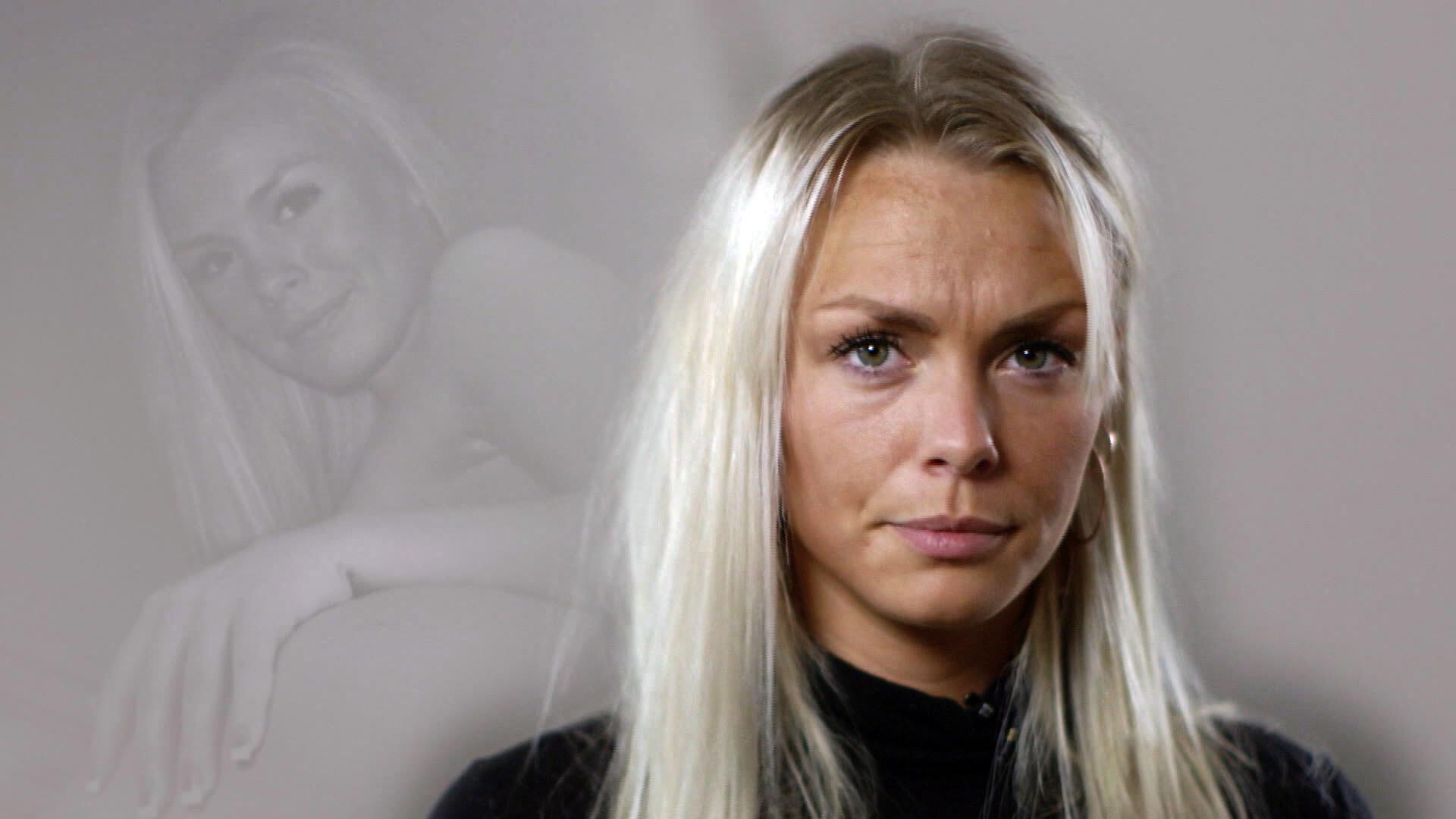 danske nøgenmodeller langt hår til  kvinder