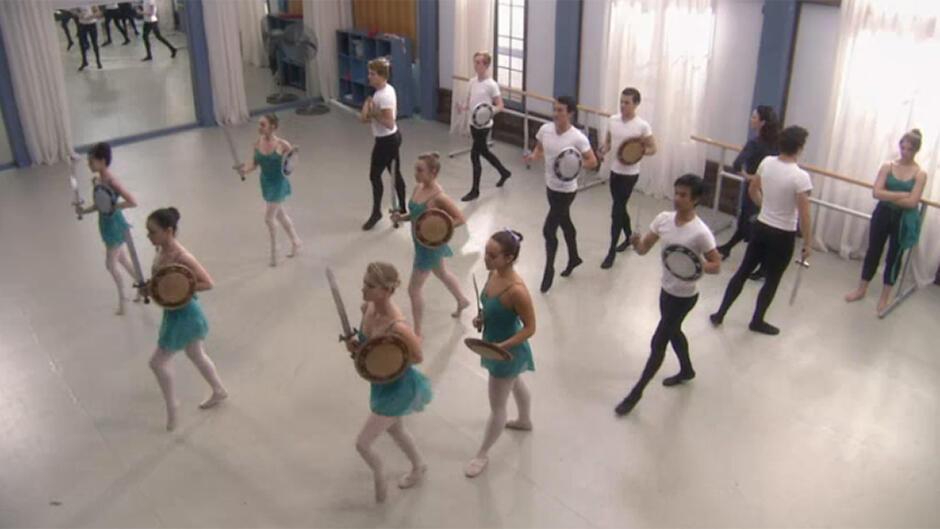 Dance Academy (43)
