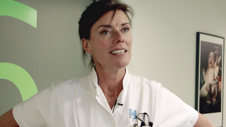 DR2 Undersøger: Travlhed på fødegangen