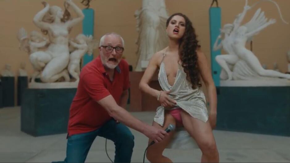 Tessa nøgen video