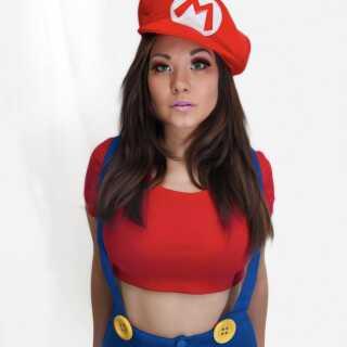 Ani-Mia som Nintendos ikoniske figur: Mario.