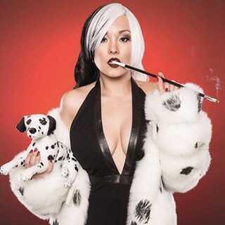 Ani-Mia som Cruella de Vil fra Disneys '101 Dalmatinere'.