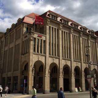 Görlitz-stormagasinet blev blandt andet brugt til at filme lobbyscenerne fra The Grand Budapest Hotel.