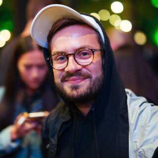 Henrik Aas har fulgt Kendrick Lamar længe, og lørdag aften så han koncerten sammen med sin kæreste og en gruppe venner.