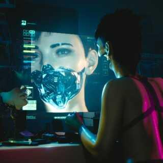 'Cyberpunk 2077' slører grænserne mellem menneske og teknologi. Hovedpersonen i spillet er en cyborg, hvilket muliggør en sammenblanding af de to elementer.