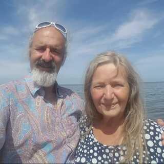 Hanne og Jesper i juli i år - den sidste sommer, hvor det musikalske par boede under samme tag.