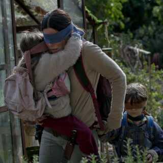 Sandra Bullock spiller hovedrollen i Susanne Biers kommende Netflix-film 'Bird Box'. Herudover medvirker også stjerneskuespillere som Trevante Rhodes, Sarah Paulson og John Malkovich.
