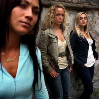 Sammen med Julie Ølgaard og Laura Christensen medvirkede Stephanie León i 2006 i filmen 'Råzone'.