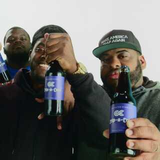 Et af Killer Mikes påfund er, at den hårde bande Crips skal lave deres egen sodavand; den såkaldte 'Crip-a-Cola'.