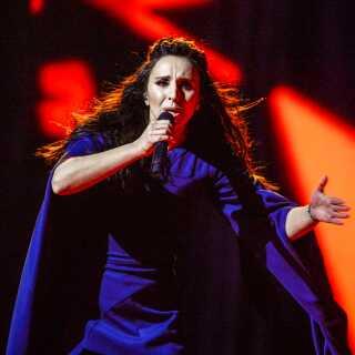 Jamala vandt Eurovision 2016 med sangen '1944', som Matilde Kimer mener er så politisk ladet, at man skal være både 'døv og blind' for ikke at kunne se det.