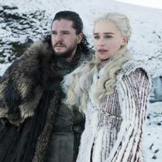 - Lige nu er der intet min mave hellere vil se, end at Daenerys og Jon sammen besejrer alle snezombierne og overbeviser Cersei Lannister om, at hun skal blive god igen, selvom alle hendes børn er døde, skriver Kasper Lundberg.