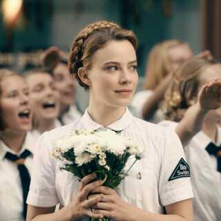 Elisabeth May spilles af den tyske skuespillerinde Saskia Rosendahl.