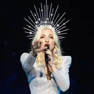Australien deltager i år i Eurovision Song Contest for femte gang. I år sætter de deres lid til sangerinden Kate Miller-Heidke og sangen 'Zero Gravity'.