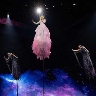 Australien deltager i år i Eurovision for femte gang. For første gang blev den australske deltager, Kate Miller-Heidke, fundet ved en national finale 'down under'.