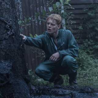 Lucas Lynggaard Tønnesen spiller Rasmus, der har et helt særligt forhold til seriens onde virus.