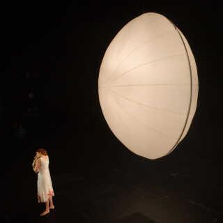 Prøve på Richard Wagners'Nibelungens Ring','Ragnarok' i Kasper Bech Holtens dramatiske og spektakulære opsætning på Operaen, Store Scene. Sidste scene.
