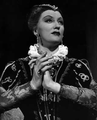 Bonna Sønberg som elisabeth i Verdi-operaen Don Carlos.