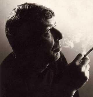 Ole Ege har både lavet pornofilm, været museumsdirektør og skrevet bøger om blandt andet Ærø.