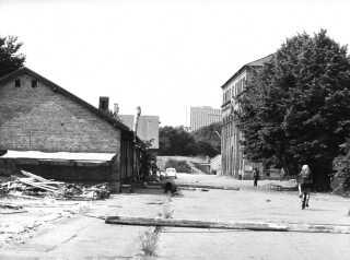 Stemningsbillede fra Christiania. I baggrunden SAS Scandinavia Hotel. Arkivfoto cirka 1972.