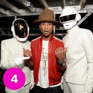 Pharrell Williams' samarbejde med Daft Punk på 'Get Lucky' kastede to Grammy-statuetter af sig.