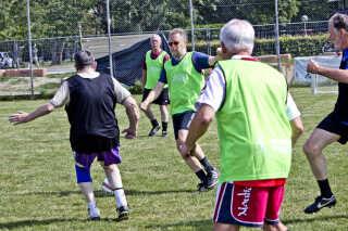 Billedet stammer fra træningen hos det første FC Prostata-hold, som Center for Holdspil og Sundhed ved Københavns Universitet startede i København. Nu er projektet nomineret til Danskernes Idrætspris.