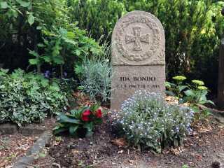 Ulla Bondo har kun besøgt sin datters gravsted én gang siden begravelsen.