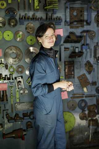 Sammen med Lone Søndergaard og Julie Skaar har Nina Rydahl Andersen købt den gamle skibsmotorfabrik på haven i Marstal.