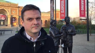 Familien kan være mange ting, men skulpturen er et godt bud på én, mener IT-konsulent John Fabienke