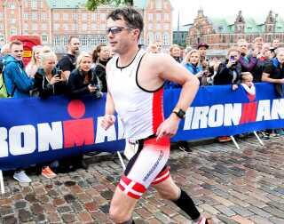 Kronprins Frederik løber Ironman i 2013. Han er med til at gøre maraton, Royal Run og Ironman til den almindelige mands mål.