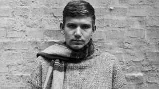 Ungdomsbillede af Troels Kløvedal, der dengang hed Troels Beha Erichsen.
