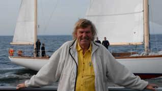 Troels Kløvedal har skrevet 23 bøger siden 1978, hvor han debuterede med 'Kærligheden, kildevandet og det blå ocean'.