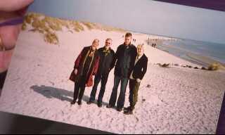 Ægteparret Bæk har mange fotos at kigge på, når de vil mindes tiden med deres to børn, Uffe og Birgitte.