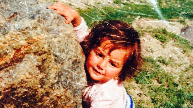 Et barndomsbillede af Nadia Nadim fra Afghanistan, hvor hun boede de første 12 år af sit liv.