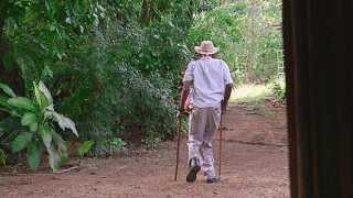 Alder er ingen hindring for at gå, tværtimod er det omvendt: Gå meget, og du når en høj alder.