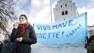 Demonstration ved Vig Kirke ved Nykøbing Sjælland den 29. november til fordel for præst Annette Berg, der var fritaget for tjeneste. Demonstranterne ønskede hende tilbage i tjenesten.