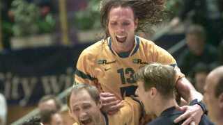 Den nuværende svenske landstræner, Staffan Olsson (øverst), var med til at vinde EM guld til Sverige i 2000.