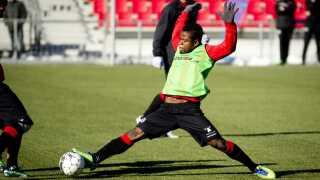 Den tidligere FCM-spiller Izunna Uzochukwu er tilbage i Superligaen. Denne gang er det OB, der får glæde af midtbanemandens kvaliteter.
