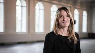 Mette Ramsgaard Thomsen, professor i arkitektur ved Det Kongelige Danske Kunstakademis Skoler for Arkitektur, Design og Konservering, er én af de fem modtagere af EliteForsk-priserne 2016.