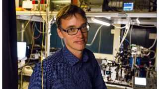 Peter Lodahl, professor i fysik ved Niels Bohr Institutet på København Universitet, er én af dem fem modtagere af EliteForsk-priserne 2016.