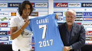 Aurelio De Laurentiis præsenterer her Edinson Cavani.