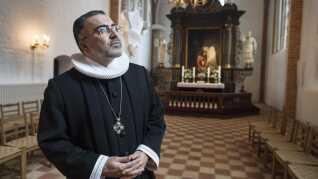 Præst Massoud Fouroozandeh - valgmenighedspræst. BT 180 grader. Her i Sct Hans Kirke.