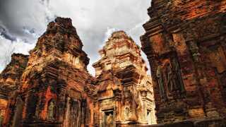 Det er ikke kun i dag, at klimaforandringerne får mennesker til at flygte fra deres hjem. Eksempelvis blev den gamle by i Cambodja, Angkor Wat, forladt grundet tørke og hungersnød.