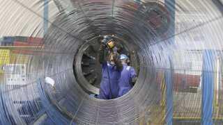 De nye rørledninger skal kunne transportere 55 milliarder kubikmeter gas om året. REUTERS/Tobias Schwarz