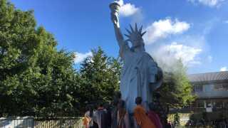 På denne tid af året er Frihedsgudinden at finde i Nykøbing Mors.